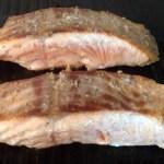 pave saumon creme ciboulette prepa 2 - Pavé de saumon grillé à la crème de ciboulette