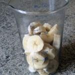 glace legere yaourt banane prepa 1 - Glace légère au yaourt et à la banane