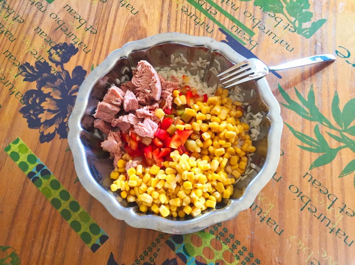 salade riz thon mais poivron prepa 3 - salade-riz-thon-mais-poivron-prepa-3