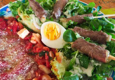IMG 4087 - Yakitori boeuf fromage, salade tomate oeuf et carpaccio
