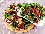 IMG 1074 scaled - Bruschetta aux légumes grillés, ricotta, câpres et basilic