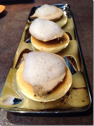 Bouchées apperitives au foie gras et mousse de jus de pomme