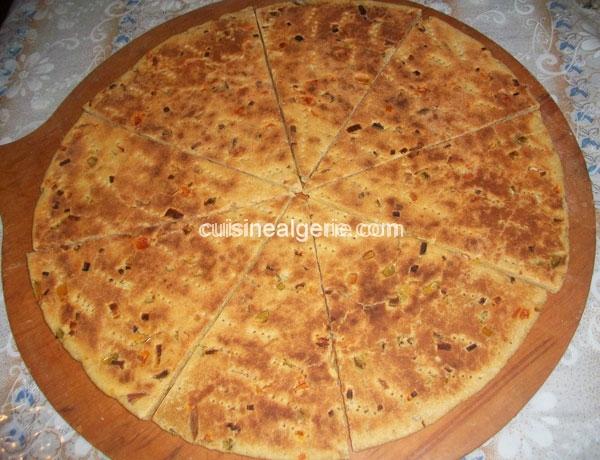 Aghroum aux légumes (pain kabyle)