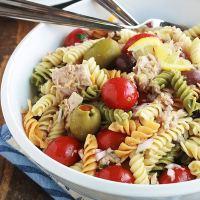 Salade de pâtes au thon facile, vinaigrette aux herbes