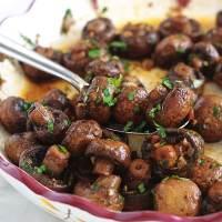 Champignons rôtis à l'ail et vinaigre balsamique