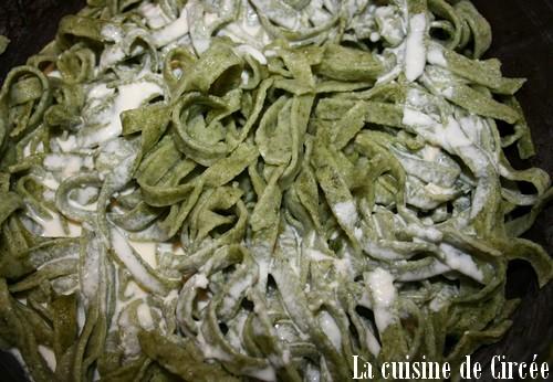 Tagliatelles aux épinards, sauce chèvre