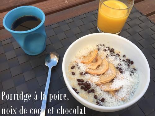 Porridge poire, noix de coco et chocolat