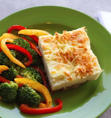 Shepherd's Pie with Broccoli and Red & Yellow Peppers