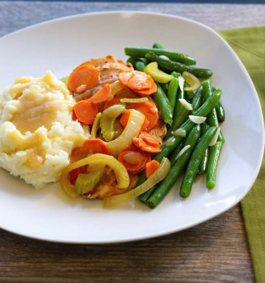 Smothered Chicken, Mashed Potatoes and Green Beans