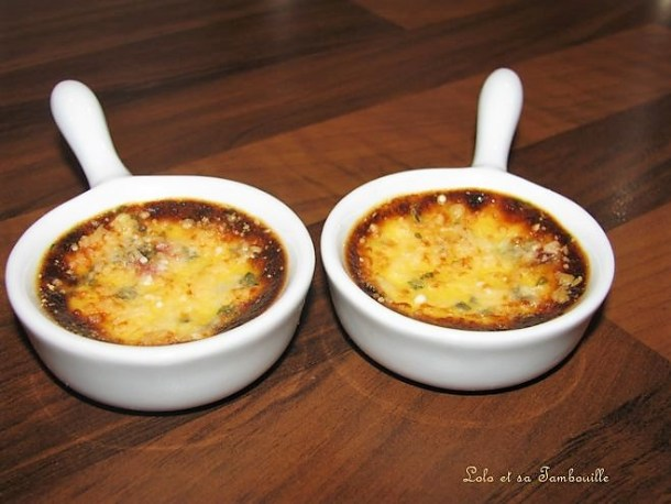 Crèmes brûlées au parmesan, tomates séchées & basilic