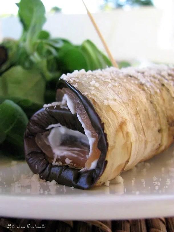 Roulés d'aubergines au saumon {fromage frais, parmesan & basilic}
