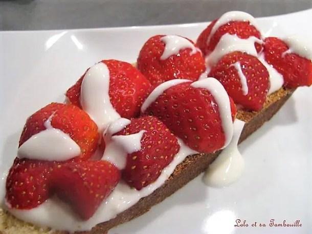Tartines de fouace aux fraises