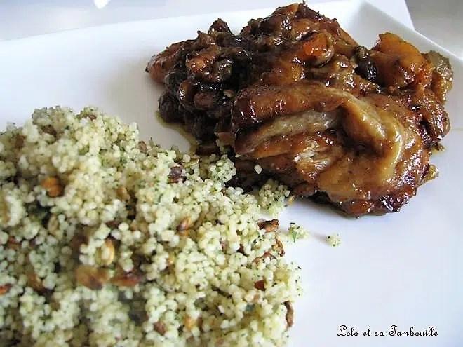 Tajine de poulet aux abricots & aux amandes