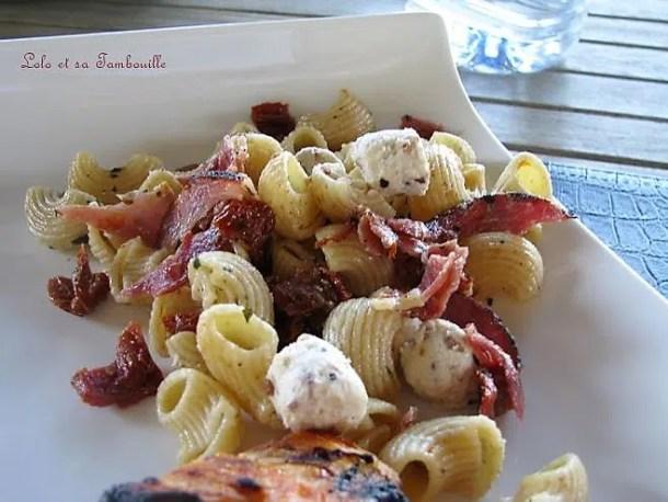 Salade de pâtes à la moutarde au vin de Jurançon & tomates séchées