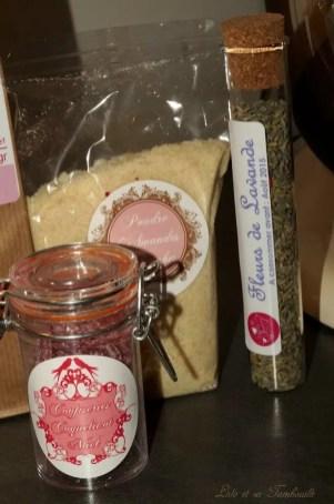 Bonbons miel coquelicot, Fleur de lavande, Poudre d'amandes