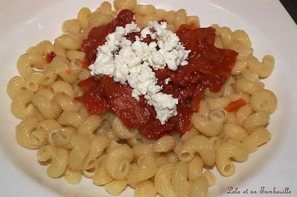 Pâtes à la sauce tomate, chorizo & féta