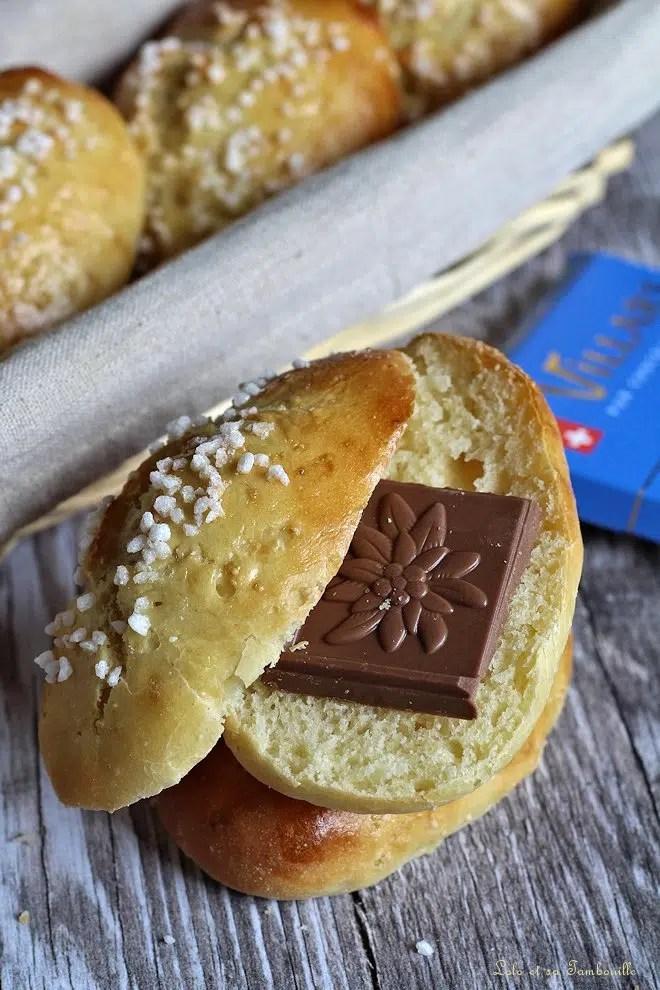 pain au lait avec carré de chocolat