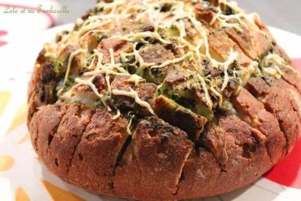 Pull Apart Bread {pesto & mozzarella}