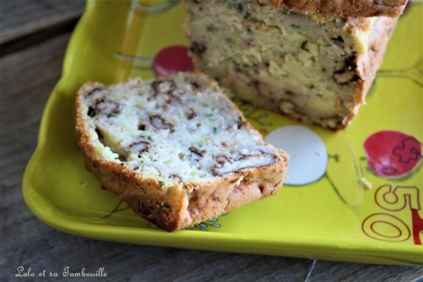 Cake aux courgettes & noix