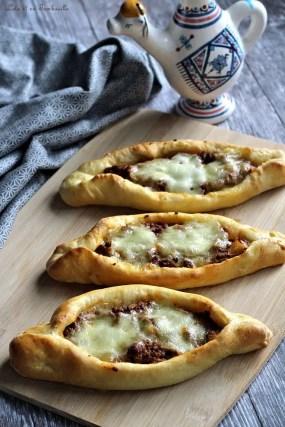 Pizza pide à la viande hachée (2)