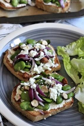 Tartines aux fèves & feta (1)