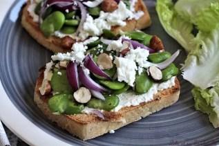 Tartines aux fèves & feta (3)