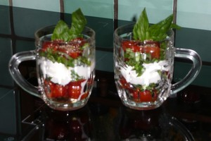 Verrine de tomates cerise au basilic 2