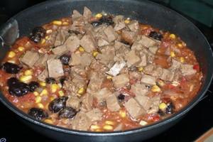 Seitan à la tomate et aux olives (2)