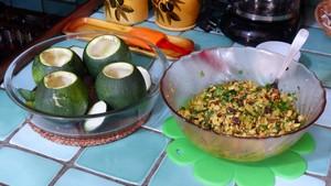 courgettes-farcies-aux-herbes-et-au-tofu-1