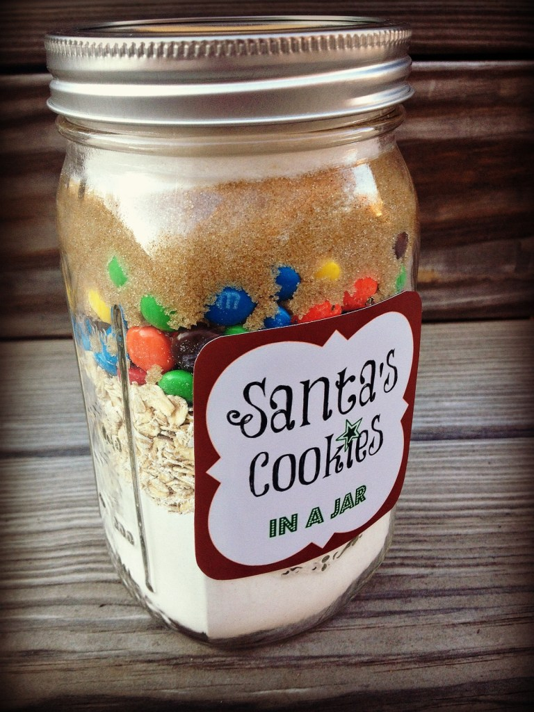 5 diy holiday baked gifts in a jar with free printable for Christmas cookies to make for gifts