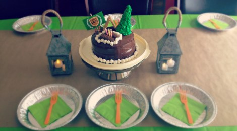 DIY Camp Birthday Party with FREE Printables and a Cute Cake!