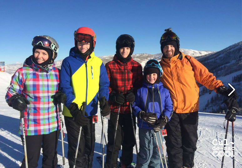 family skiing 5