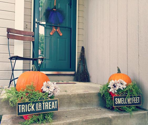 DIY Easy Halloween Front Porch Decor 13