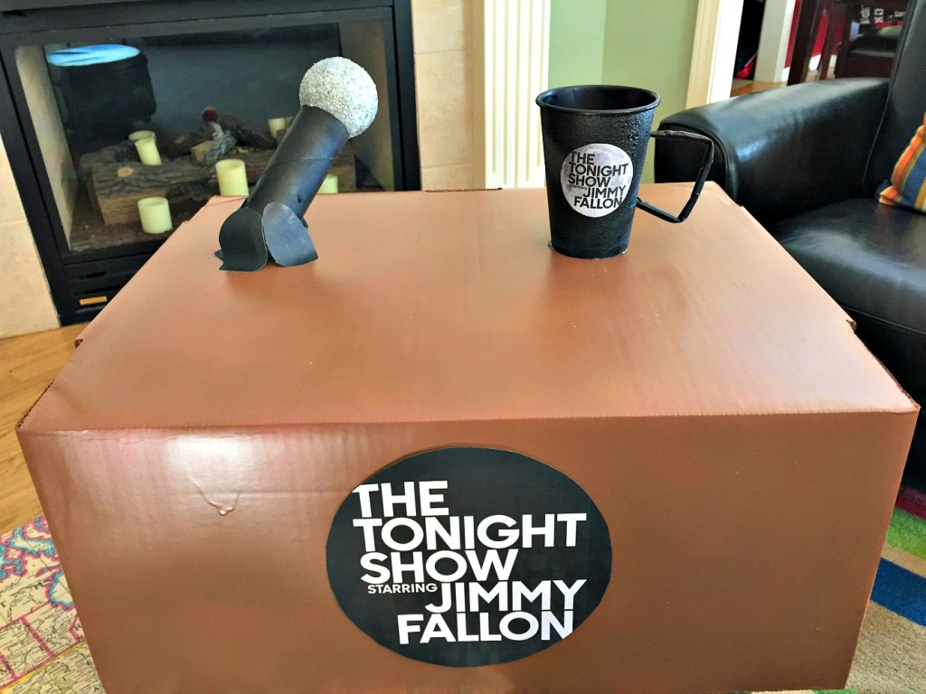 diy-jimmy-fallon-costume-desk-3