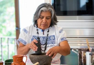 Gana atole de maíz morado como platillo representativo de México