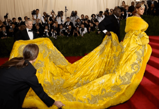 Rihanna, the number one meme of the internet thanks to this dress