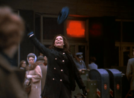 Mary Tyler Moore: The First Woman Who Made Singledom Glamorous