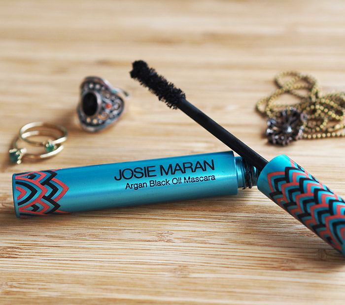 ca50c1cfca4 A Natural Mascara Review: Josie Maran Argan Black Oil Mascara ...