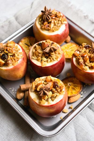 Pommes au four noix