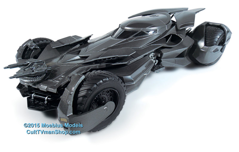 Batman Vs Superman Batmobile 125 Scale From Moebius Models