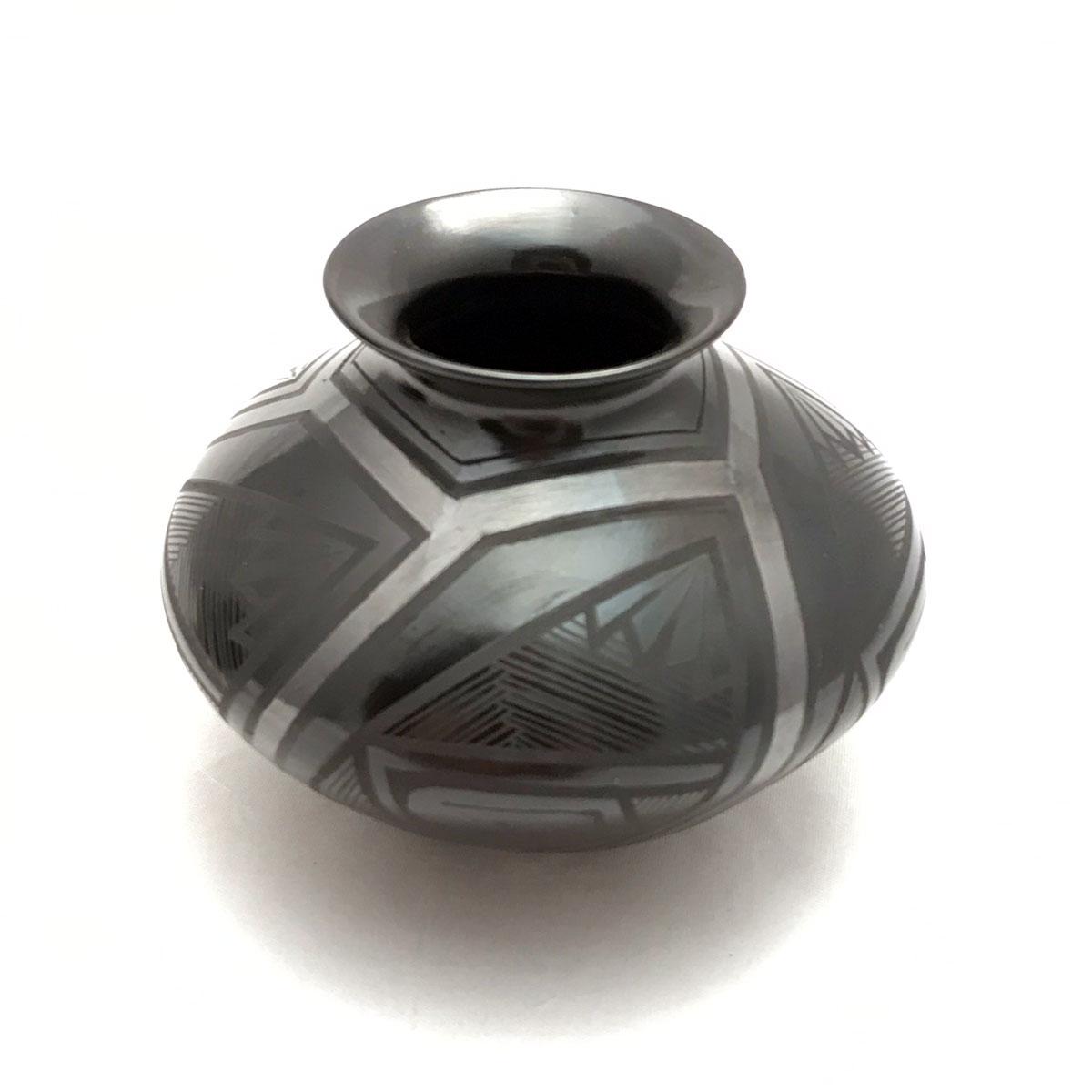 Salvador Baca & Virginia Lazoya Salvador Baca & Virginia Lazoya: Small Black Vase Mata Ortiz Pottery