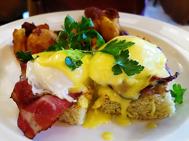 The Girl & The Fig - Eggs Benedict