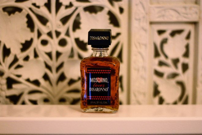 MOSCHINO loves DISARONNO Shooter
