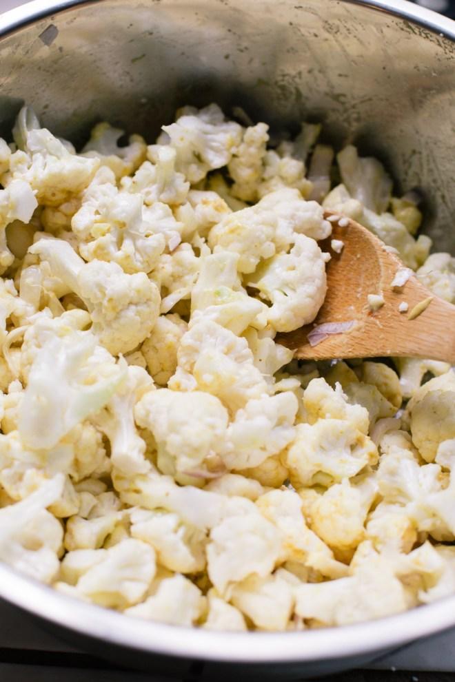 Garlic Roasted Cauliflower | Cultural Chromatics-1
