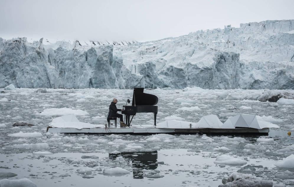 Bajando las temperaturas: performance en el Ártico (Greenpeace)