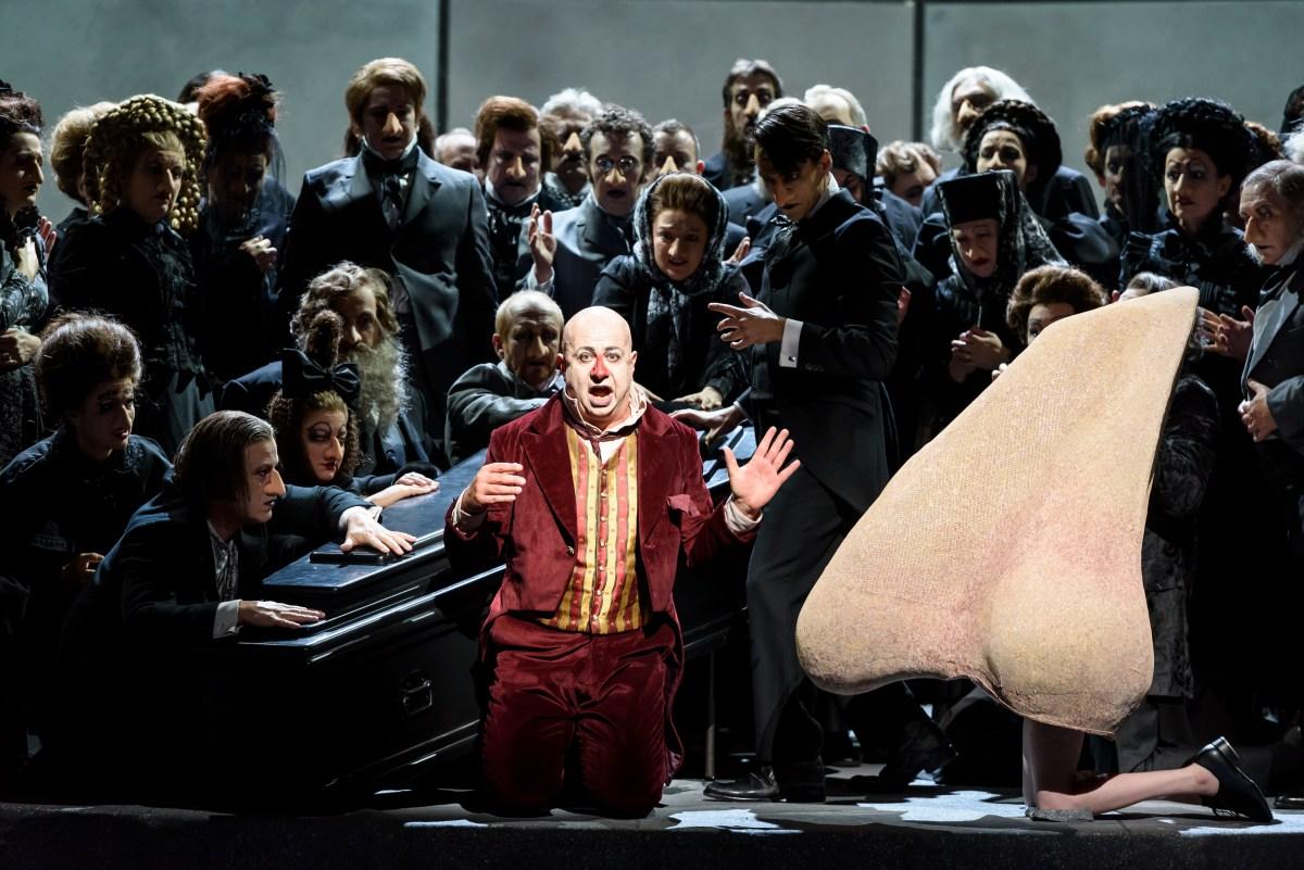 Narices bailando claqué en la Ópera de Londres
