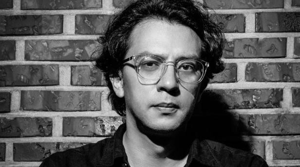 Suturas detectivescas. Sobre «Cementerios de neón», la nueva novela de Andrés Felipe Solano.