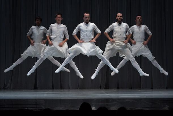 """La (re)evolución de cultura, tradición e identidad a través de la danza: """"Oskara"""", de Kukai Dantza"""