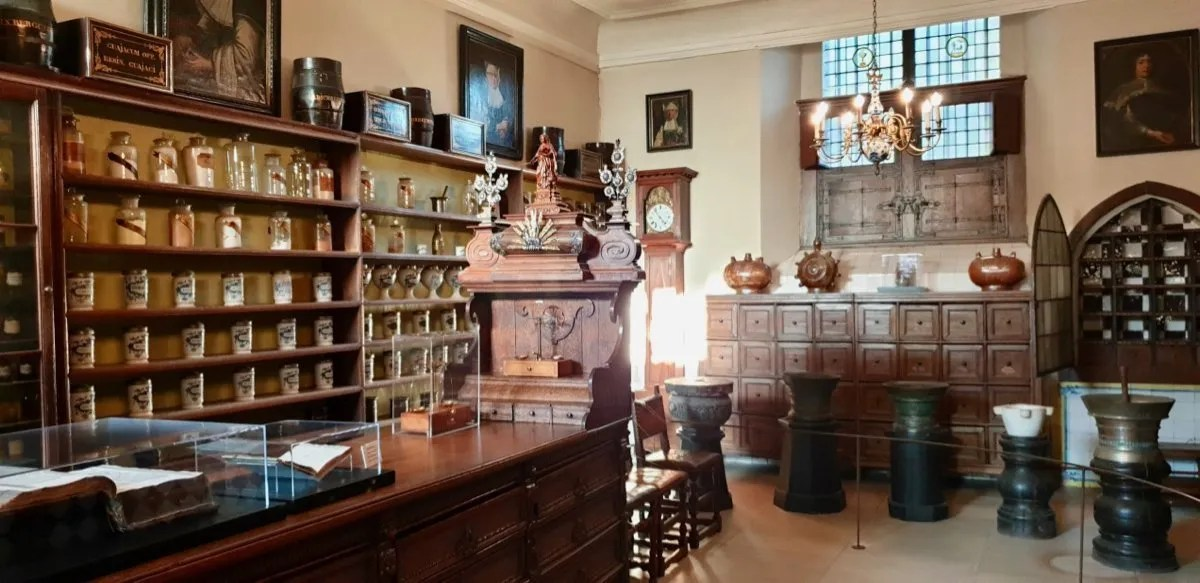 St Janshospitaalmuseum apothecary