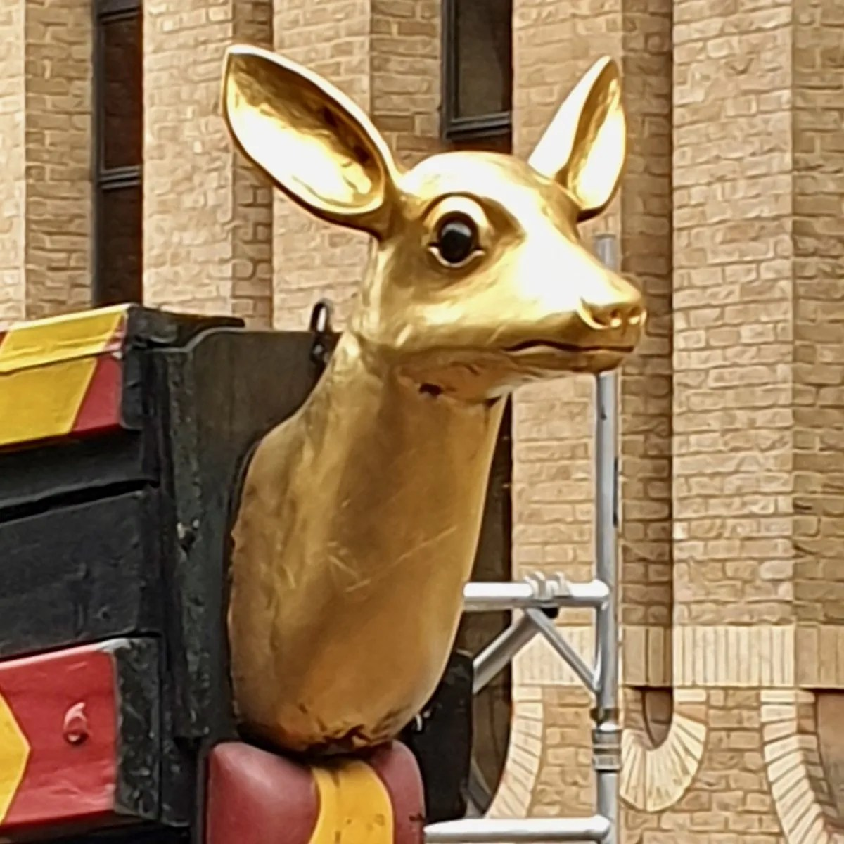 Golden Hinde figure head on ship
